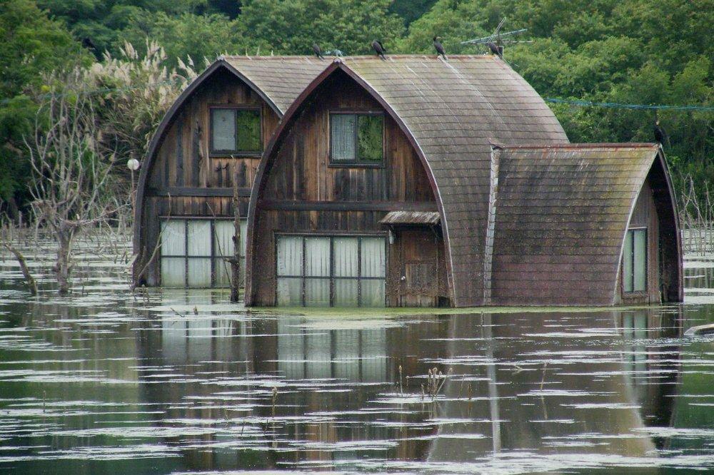 Wat moet je doen bij (dreigende) overstromin